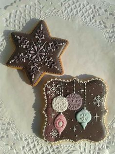 Xmas cookies I love the brown colors on the snowflake...beautiful