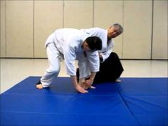 Instruction on Mae Ukemi (forward roll) with Unbendable Arm - YouTube
