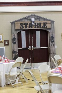 Find a gold medal winner in this Western Themed Cub Scout Blue & Gold Banquet at Kara's Party Ideas! See the amazing details inside! Country Western Parties, Western Theme, Cowgirl Party, Cowgirl Birthday, Barn Dance, Quinceanera Party, Cub Scouts, Wild West, Westerns