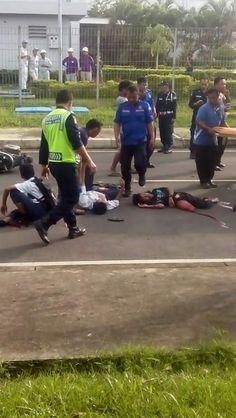 BARDAN SYAHPUTRA:    SEKILAS INFO !!!  Kecelakaan lalu lintas di Jl....