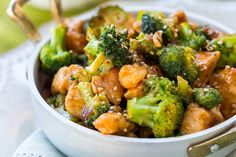 You're a pot away from this delicious One-Pot Chicken and Broccoli! In this quick and easy Asian-inspired recipe, allthe magic occurs in asingle pot.