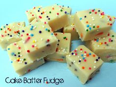 White Chocolate Cake Batter Fudge Recipe / Six Sisters' Stuff | Six Sisters' Stuff