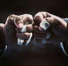 Just roll jiu jitsu training bjj training time NO GI (JJB) Jiu Jitsu Training, Mma Training, Martial Arts Workout, Martial Arts Training, Dojo, Bjj Tattoo, Jiu Jitsu Quotes, Bjj Memes, Ju Jitsu