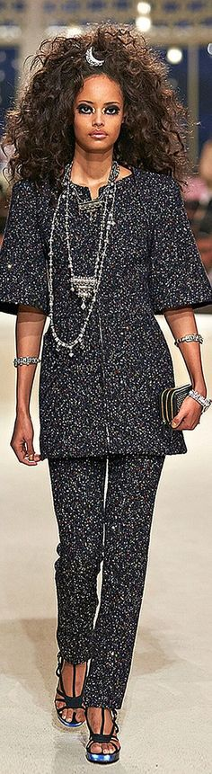 Chanel Cruise 2015 Dubai - Runway by jaclyn Chanel Fashion, Runway Fashion, Womens Fashion, Fashion Trends, Chanel Cruise, Chanel Dubai, Chanel Resort, Cruise Wear, Chanel Couture