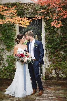 The slate blue of the ribbon around the bride's bouquet and the groom's tie are beautiful wedding accents and provide the perfect amount of contrast to the fall foliage wedding suit Fall Wedding with Navy Blue Wedding Suit and Light Blue Accents Blue Groomsmen, Navy Groom, Groom And Groomsmen Style, Groom Attire, Groom Style, Groom Wear, Blue Suit Style, Dark Blue Suit, Blue Suits