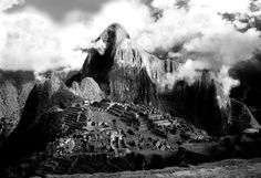#FriFotos: Machu Picchu in Black & White
