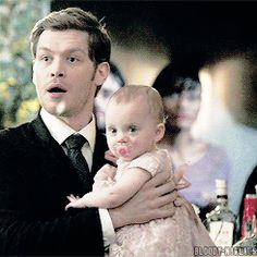 Daddy klaus and his princess. Sono adorabili insieme....