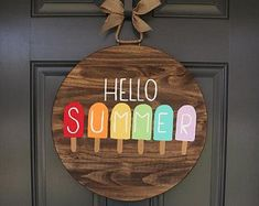 Brilliant Ideas For DIY Summer Decoration 46 Fall Door Hangers, Wooden Door Hangers, Wooden Doors, Wooden Signs, Pop Sicle, Summer Signs, Spring Door, Craft Night, Summer Crafts