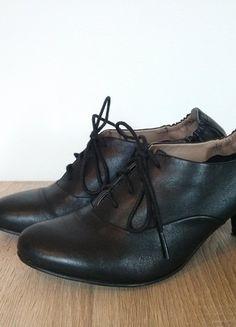 Kupuj mé předměty na #vinted http://www.vinted.cz/damske-boty/polobotky/10467548-elegantni-cerne-kozene-polobotky-bata