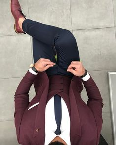 Co-ordination on point we love this look what do you think? Mens Fashion Suits, Men's Fashion, Look Man, Mein Style, Men Formal, Suit And Tie, Dress Suits, Gentleman Style, Wedding Suits