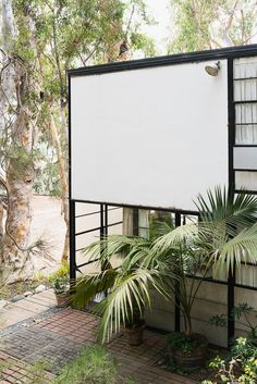 Visiting the Eames House Case Study #8 / See and Savour