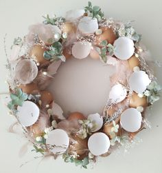 Easter Table Decorations, Decoration Table, Easter Crochet Patterns, Easter Flowers, Easter Party, Easter Wreaths, Easter Crafts, Floral Arrangements, Christmas Diy