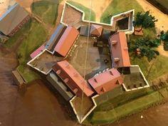 """"""" Fort Zeelandia """"  Fort Zeelandia is een voormalig Nederlands fort in Paramaribo, de hoofdstad van Suriname, aan de linkeroever van de Surinamerivier. Sinds 1995 is hier weer het Surinaams museum ondergebracht.  Het vijfhoekige fort ontstond in het begin van de 17e eeuw, toen Nederlandse kolonisten een handelsvestiging stichtten nabij het indianendorp Parmurbo, het latere Paramaribo.   In 1667 veroverden de Zeeuwen onder Abraham Crijnssen het fort en de nederzetting van de Engelsen."""
