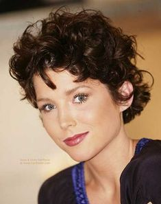 Must-See Short Naturally Curly Hairstyles | http://www.short-haircut.com/must-see-short-naturally-curly-hairstyles.html