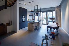 mooie vloeren in stadsvilla te Breda Kitchen Design, Kitchen Decor, Living Room Kitchen, Houzz, Kitchen Lighting, Minimalist Design, Home Remodeling, New Homes, Flooring