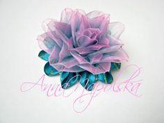 Екзотична квітка канзаши з органзи. Экзотический цветок из двухцветной органзы своими руками - YouTube