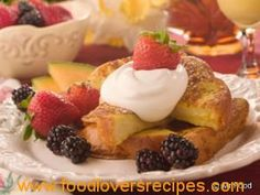 Mother's Day French Toast is a classic French toast recipe that's the perfect wake-up call for Mother's Day. It tastes special enough for a holiday but, as an anytime comforting breakfast recipe or brunch recipe, it'll score big points, too. Mini Breakfast Quiche, Breakfast Bars, Breakfast Dishes, Breakfast Recipes, Waffle Recipes, Brunch Recipes, Mothers Day Brunch, Tasty Dishes, French Toast