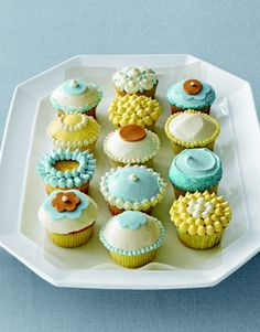 Simple Cupcake Designs with Frosting