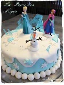Gâteau Reine des Neiges caramel bleu pour les pics