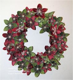 Michelle's Great Paper Chase: Kusudama Flower Christmas Wreath