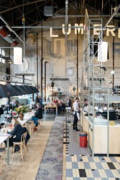 Check out these 15 food & shopping hotspots in Maastricht!