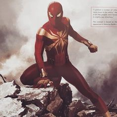 Heading into Avengers: Infinity War, it's fair to say that most of us expected to see Peter Parker get his black, alien costume from the comics. That didn't happen but Marvel did consider a similar design. Marvel Comics, Marvel Art, Marvel Heroes, Marvel Images, Marvel Avengers, Iron Spider Costume, Iron Spider Suit, Spiderman Suits, Spiderman Movie