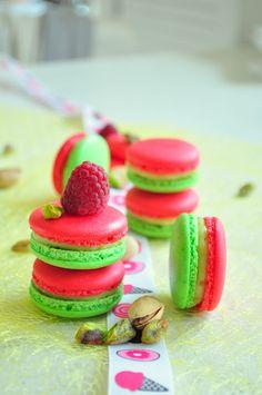 Macarons pistaches & framboises (recette) / Pistachio & raspberry macaron (recipe)