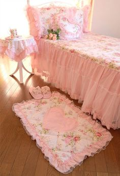 pretty #pink #bedroom <3 Shabby Chic Cottage Pink Roses