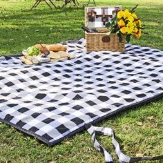 Check Black and White Picnic Blanket
