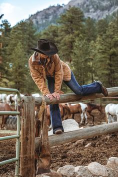 Find the latest styles in cowboy boots & hats, western wear, work boots and much more. Check out our huge selection from brands like Ariat, Cinch, Wolverine and more today! Cute Cowgirl Outfits, Western Outfits Women, Country Style Outfits, Southern Outfits, Rodeo Outfits, Country Girl Style, Country Fashion, Cow Girl Outfits, Country Girl Photos