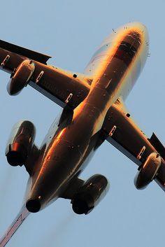 Ik ben niet gek,.................Ik ben een vliegtuig ! by nustyR AirTeamImages