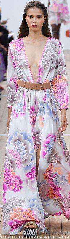 Leonard Paris Spring 2019 Ready-to-Wear Fashion Show Fashion Models, High Fashion, Fashion Show, Womens Fashion, Fashion Brands, Floral Fashion, Spring Looks, Catwalk, Ready To Wear
