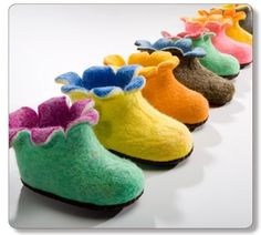 Oh how I love the adorable children's slippers from Satch and Sol. But more importantly, my daughters love them. They don't know that these soft slippers Soft Slippers, Kids Slippers, Felted Slippers, Crocheted Slippers, Felt Booties, Felt Shoes, Felt Diy, Felt Crafts, Wet Felting