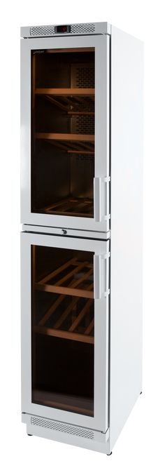 For bigger wine storing capacity - beautiful, customized WineQueen wine cooler is fitted into the color world of the kitchen. Beautiful Kitchens, Beautiful Homes, Wine Cabinets, Haku, Kitchen Appliances, Decoration, Google, Home Decor, Color