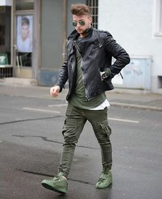 Men's leather jackets can be a crucial part of each and every man's set of clothing. Men will need outdoor jackets for a number of occasions as well as some climate conditions. Men's Jacket Value. Trill Fashion, Fashion Mode, Dope Fashion, Urban Fashion, Street Fashion, Swag Fashion, Womens Fashion, Mode Outfits, Casual Outfits