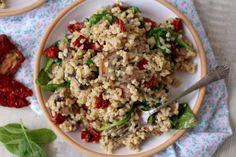 2 Fried Rice, Fries, Food And Drink, Ethnic Recipes, Bulgur, Nasi Goreng, Stir Fry Rice