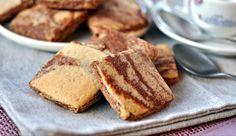 Biscotti+marmorizzati+alle+nocciole,+ricetta+dolce