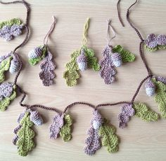 Weekly Gathering: 10 Free Garland Patterns For Any Occasion! | The Handmade Handmaiden