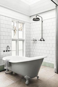 Architect Jeremy Bull of Alexander & Co. elegantly reconfigured a Victorian-era home in Sydney's Darling Point by adding a contemporary flourish. Bathroom Trends, Modern Bathroom, Small Bathroom, Bathrooms, Bathroom Interior, Bathroom Ideas, Bathtub Ideas, Downstairs Bathroom, Bathroom Designs