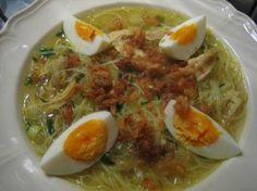 Soto Soep - Indische Soep Met Gekookte Kip