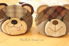 May Story Quilt Teddy Bear Pouches - Happy Bear and Naughty Bear Patchwork Bags, Quilted Bag, Types Of Handbags, Fat Quarter Quilt, Animal Bag, Pouch Pattern, Sewing Appliques, Fabric Bags, Mug Rugs