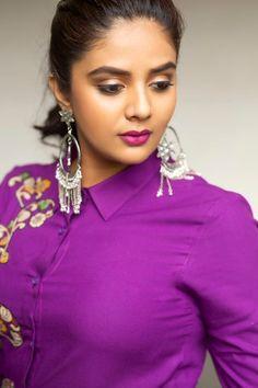 Indian Actress Hot Pics, Most Beautiful Indian Actress, Beautiful Actresses, Beautiful Girl Photo, Beautiful Gorgeous, Beauty Full Girl, Beauty Women, Indian Bride Poses, Beautiful Christina
