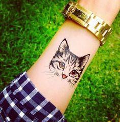 já pensou em tatuar seu lindo bichinho?fica super fofinho né!!