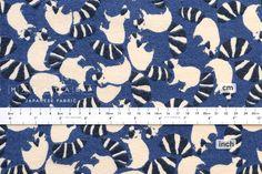 Japanese tissu Racoon Rascal flanelle bleu 50cm par MissMatatabi