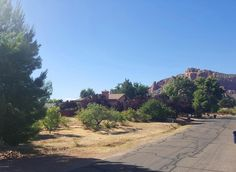 70 Creek Rock  Sedona, AZ 86351 // MLS# 513466.  Just a block and a half to the Oak Creek Country Club Championship Golf Course with a Park, Tennis Courts, and Restaurant.. For more information, call us today at 928-282-4166. Re/Max Sedona