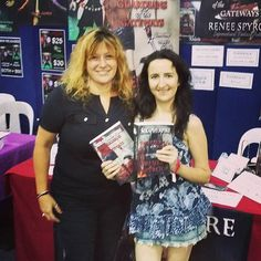 Thank you Elena for purchasing my #Seraphympire #novels @ the #Brisbane #Supanova2016 last weekend. This lovely lady had arrived in Australia @6am in the morning from Russia, she'd had only a few hours sleep & was very jetlagged, but she popped by to say hi and buy my books, thank you again Elena I hope you enjoy reading my books. 😆❤ 📖📚