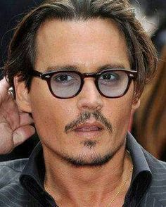 85a729209f Johnny Depp in Moscot Lemtosh Tortoise