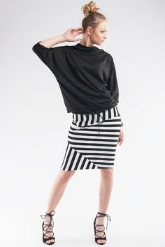 Bluzka SL1063 www.fajne-sukienki.pl Skirts, Fashion, Moda, Fashion Styles, Skirt, Fashion Illustrations, Gowns, Skirt Outfits