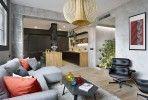 L'équipe d'architectes et de designers d'Egue y Seta a entièrement repensé une habitation à Barcelone, au coeur du quartier de Poblenou.Un logement qui, e