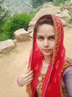 Beautiful Girl Indian, Beautiful Women, Massage Girl, Cute Photography, India Beauty, Indian Girls, Auntie, Indian Actresses, Vip